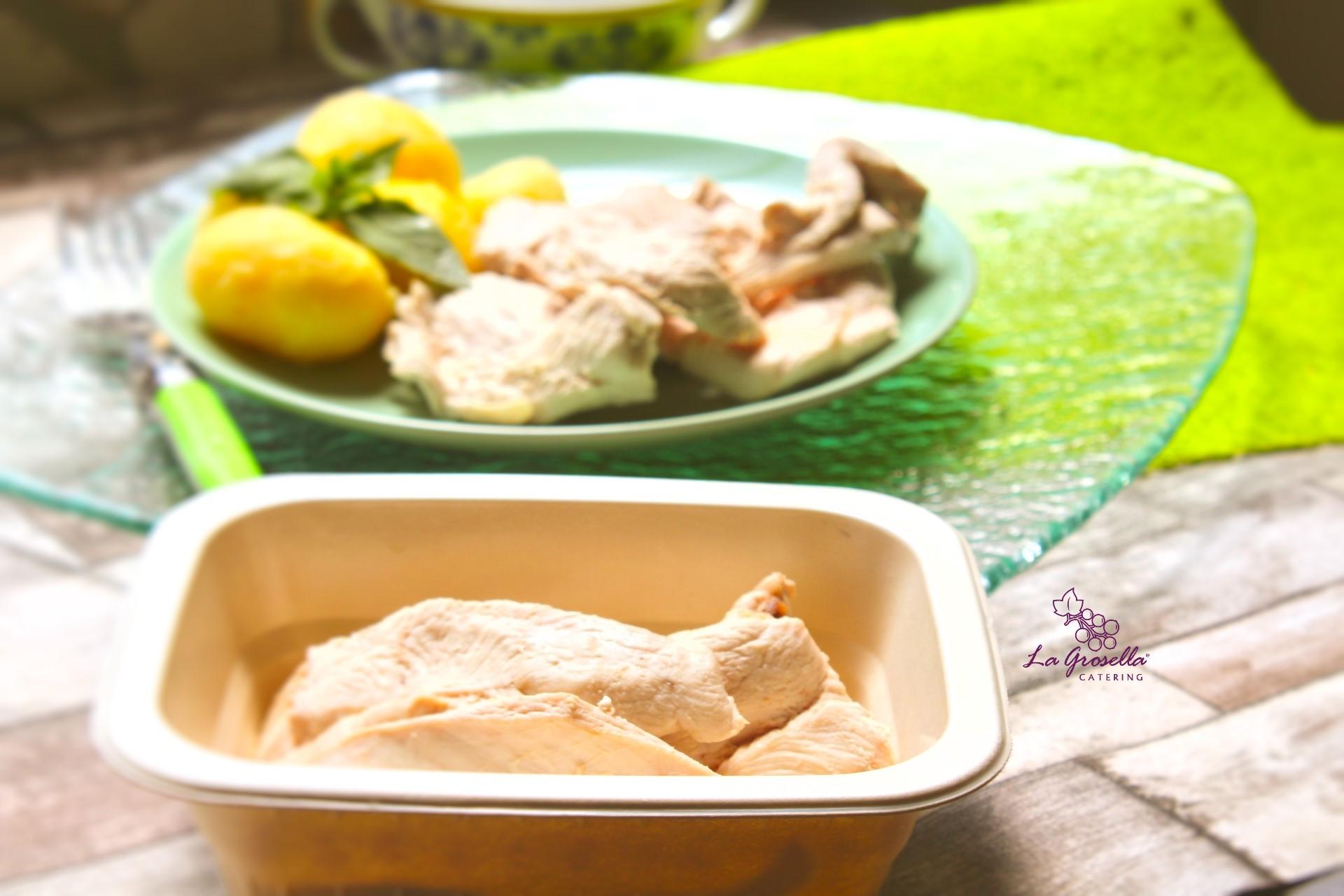 1 Kg. de pechuga de pollo cocido