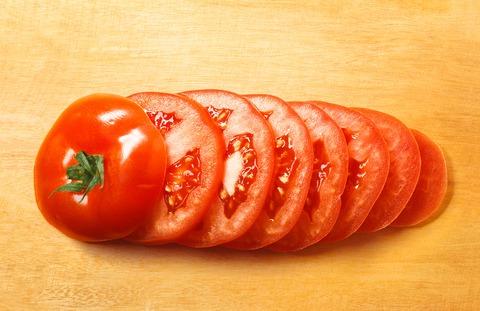 Tomate natural en rodajas