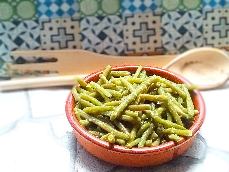 Plato vegano, judías verdes salteadas con ajo