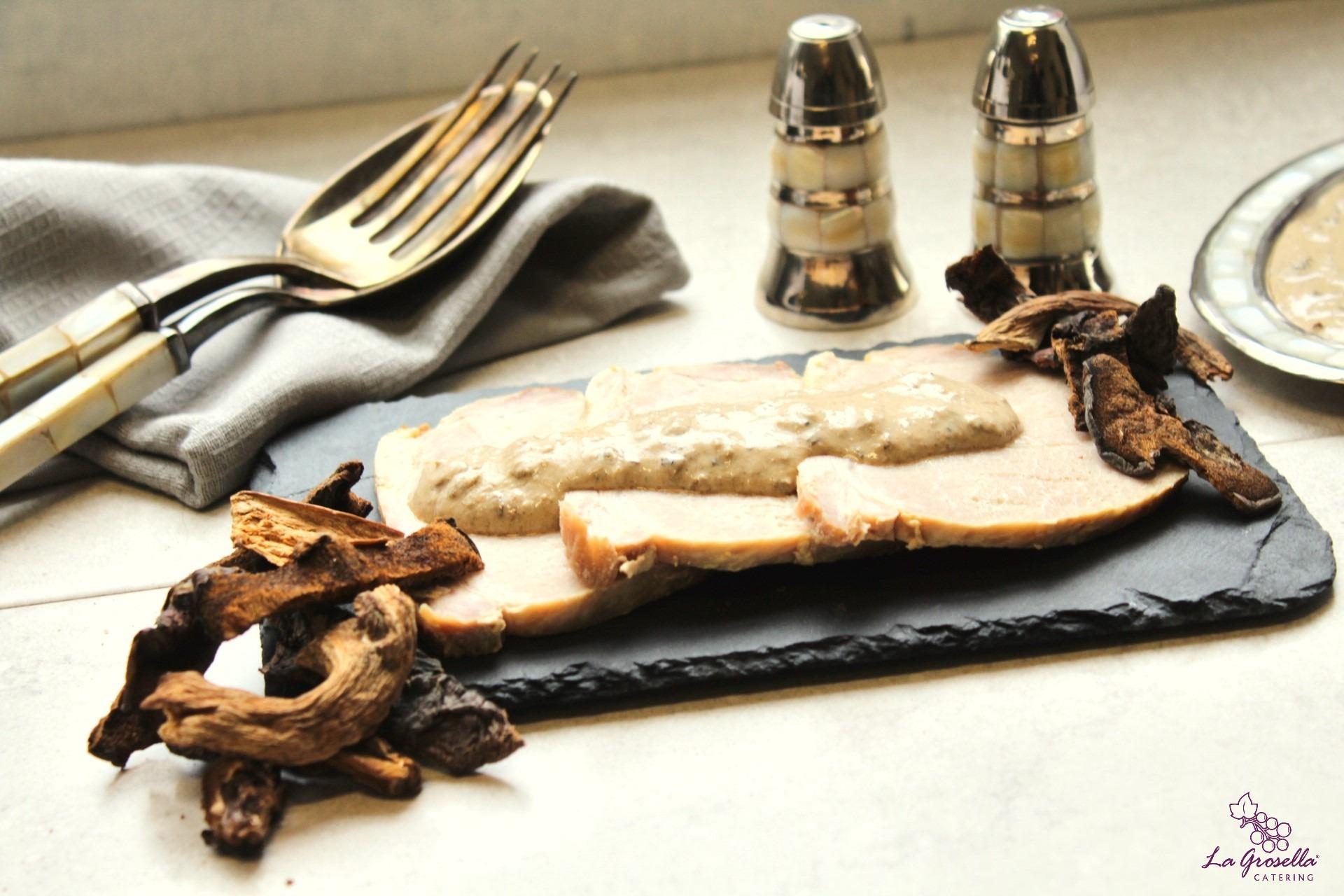 Lomo con salsa de setas deshidratadas