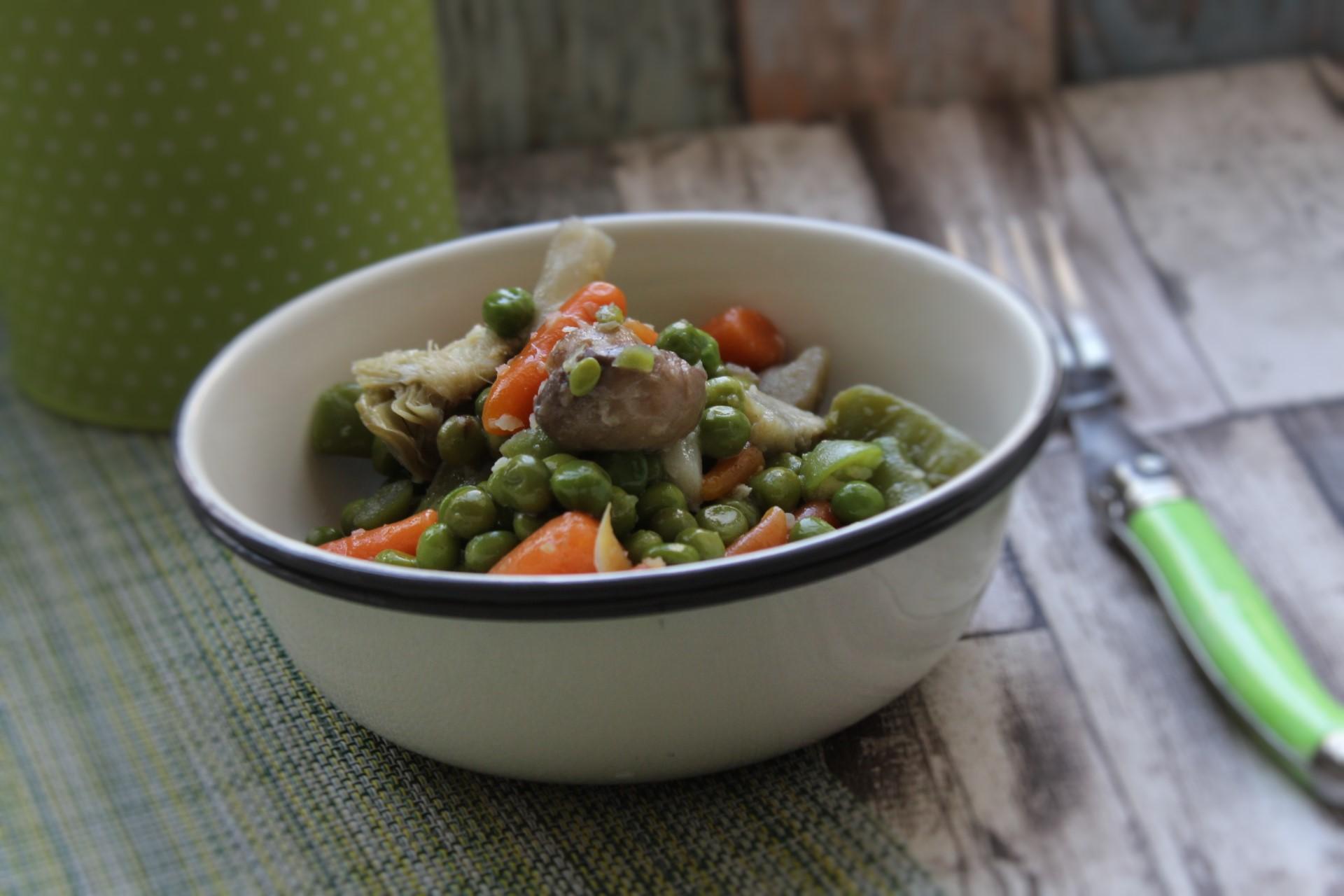 Plato vegano 👉 menestra de verduras salteadas con ajo