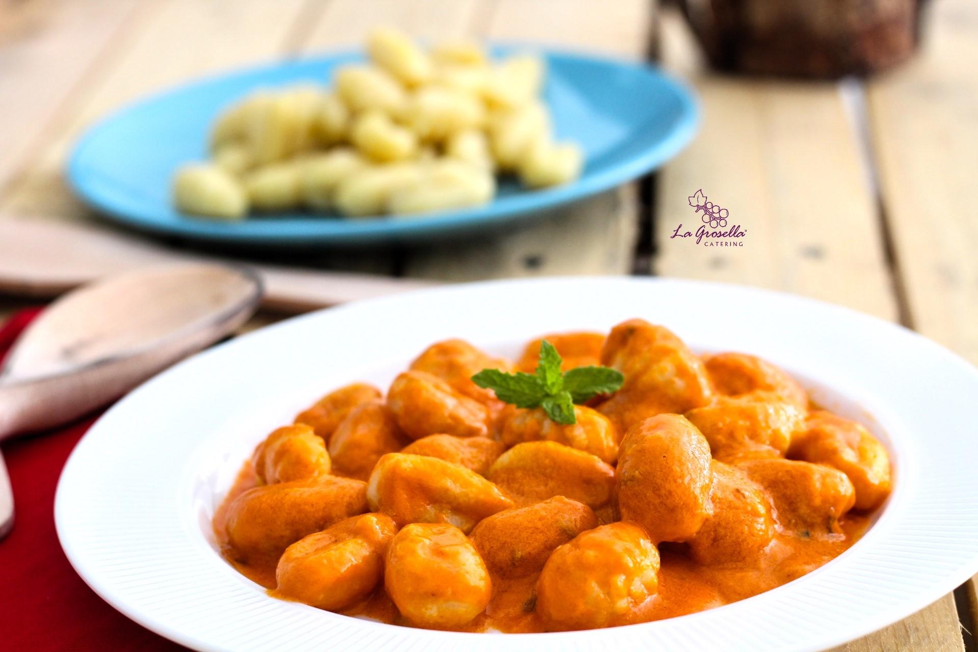 Ñoquis con salsa italiana