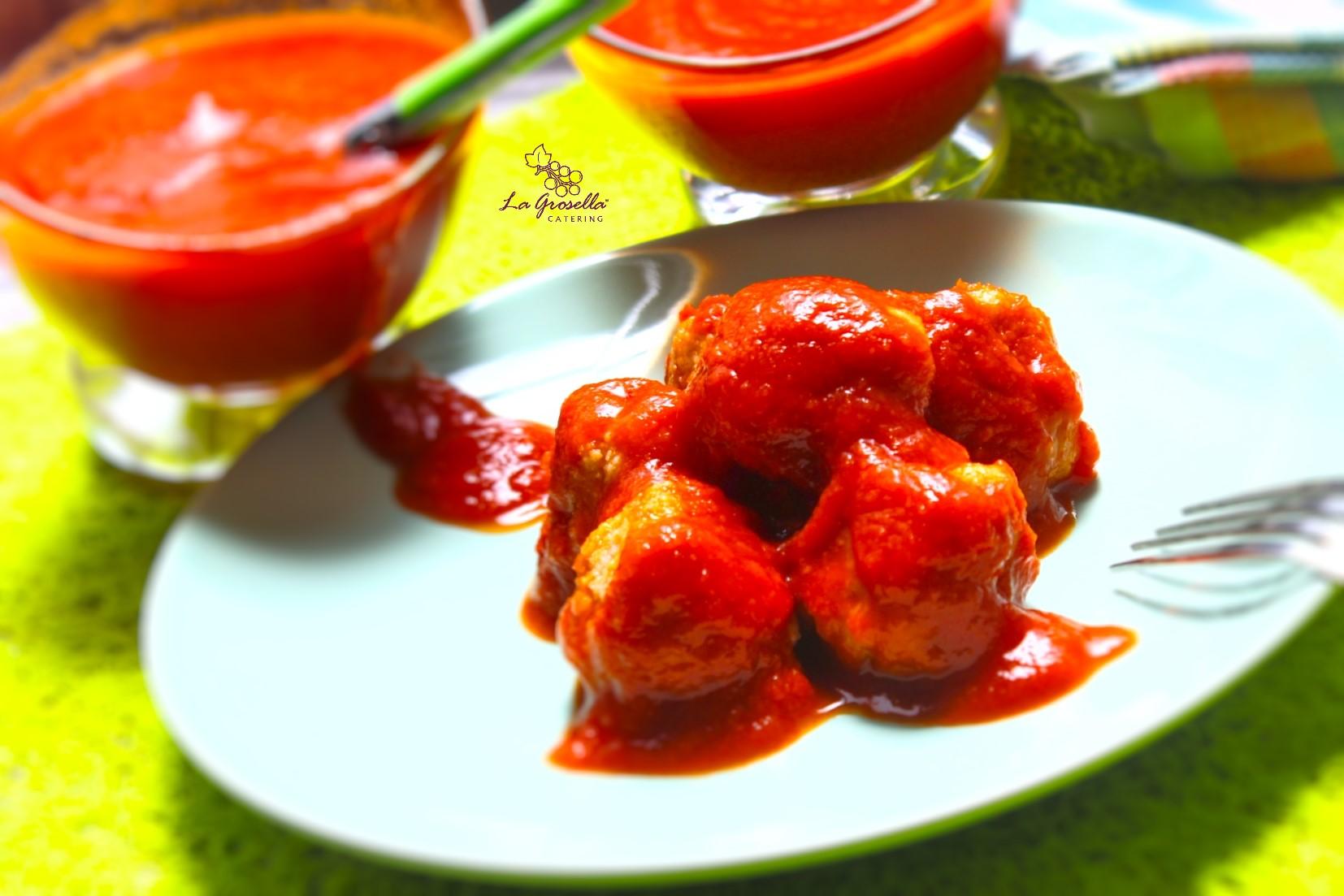 Albóndigas de merluza en salsa de tomate