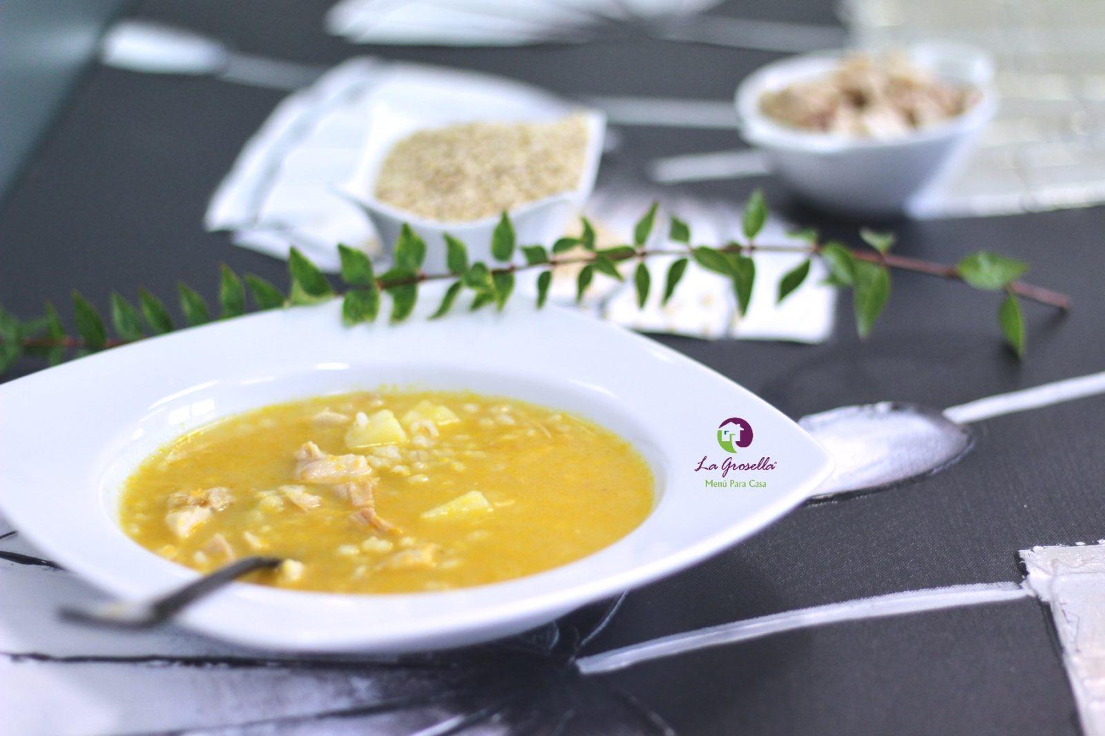 Sopa de pollo con trigo tierno
