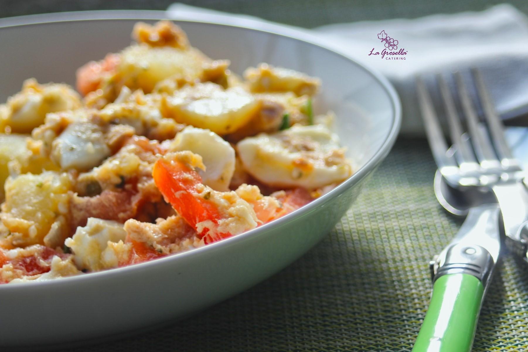 Ensalada de patata con atún