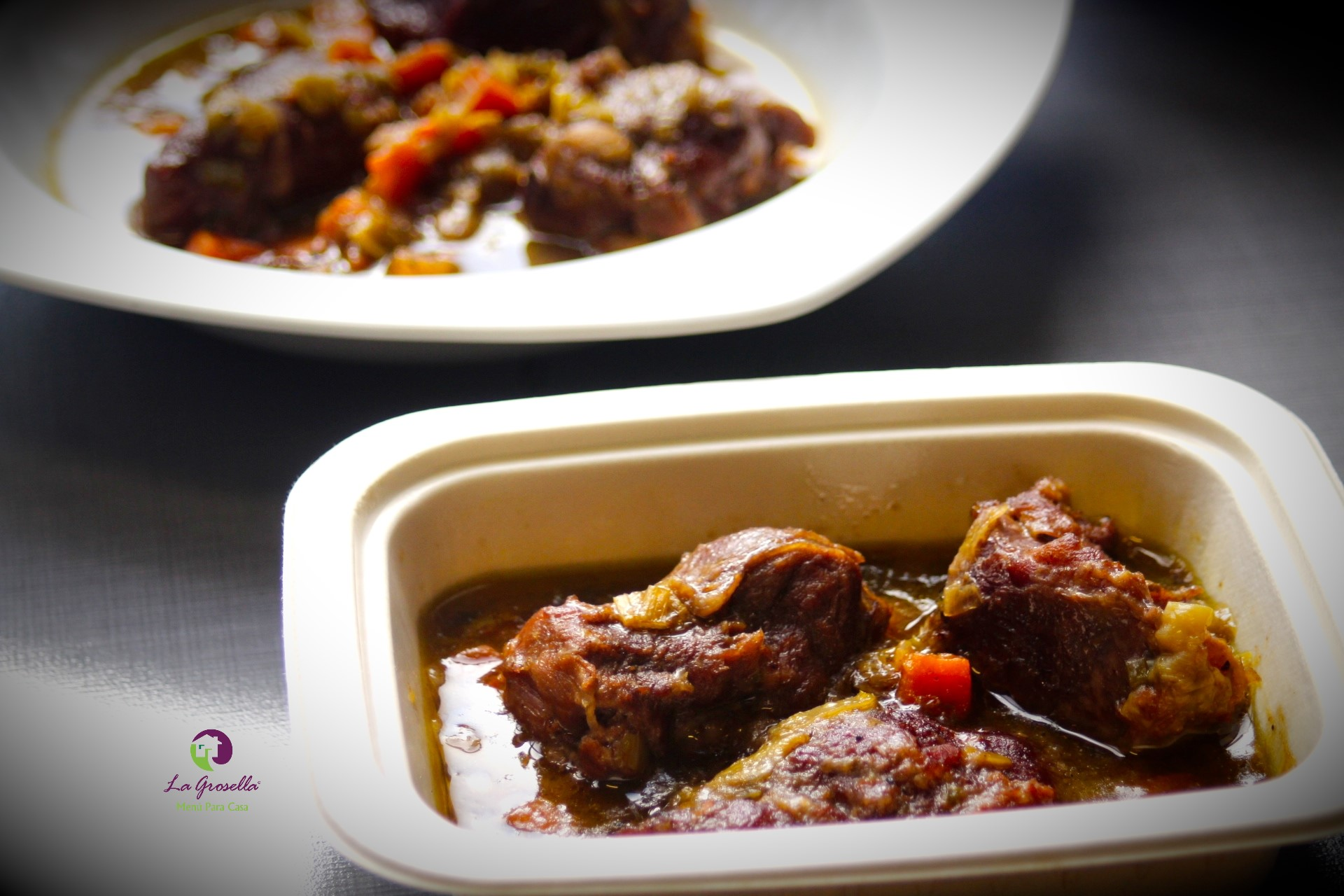 Carrilleras de cerdo con salsa de verduras al vino tinto