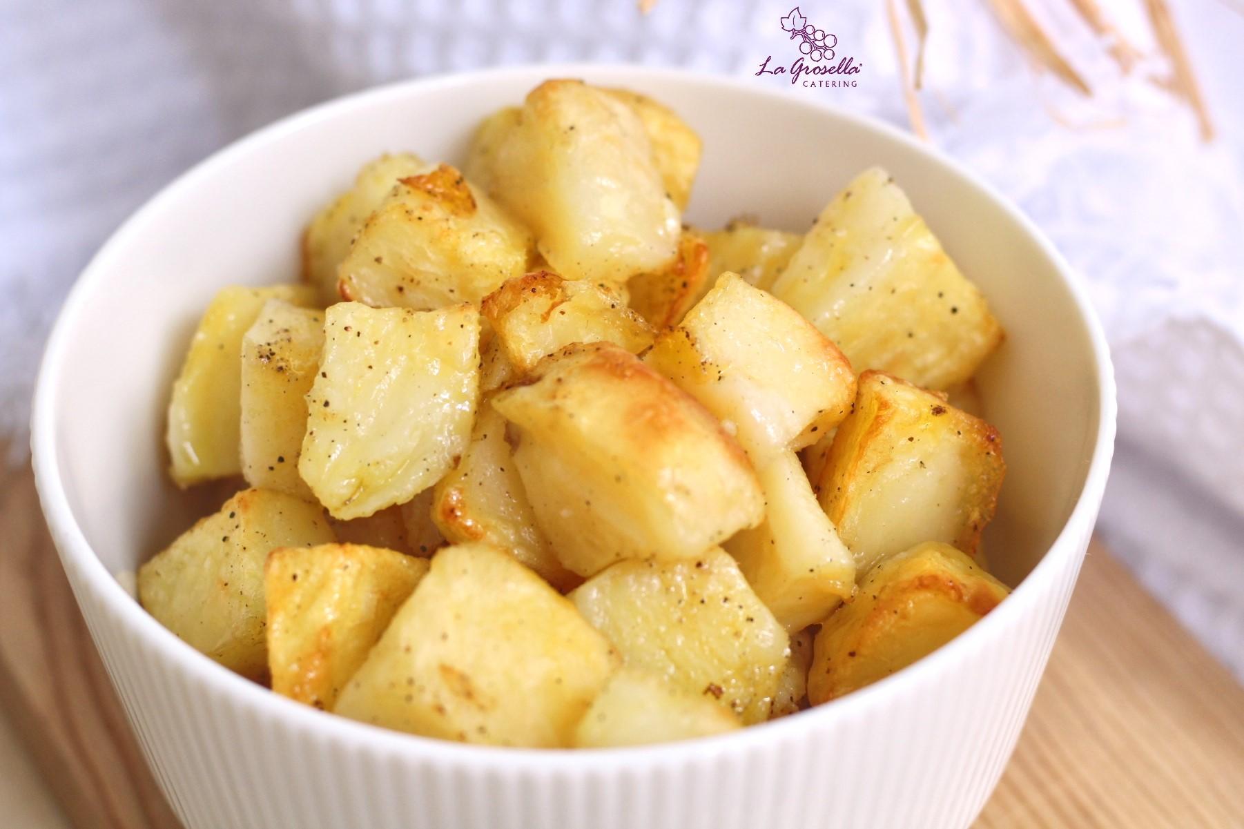 Patatas en dados con pimienta